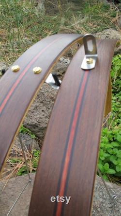 Ailes de vélo en bois faites à la main à partir du bois de noyer et de sang d'Amérique du Sud. Les fenders sont livrés avec tout le matériel en acier inoxydable.