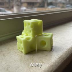 Bouchons de valve aux dés de fromage suisse 1 paire d emballeurs de têtes de fromage Schrader imprimés jaunes en 3D
