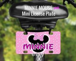 Mini plaque d immatriculation personnalisée MINNIE MOUSE, Accessoire vélo personnalisé, Bike Tag for Wagons. Tricycles. Scooters. Des VTT. 4 Roues,