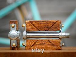 Pédales vélo bois. Pour vélo urbain, single speed, beach cruiser, fixie. Pédales vélo custom bois.