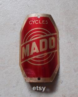 Plaque vélo moto MADO France cycles bicyclette motorcycles headbadge rouge