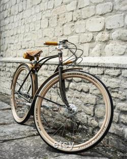 Vélo en bois garde-boue pleine longueur